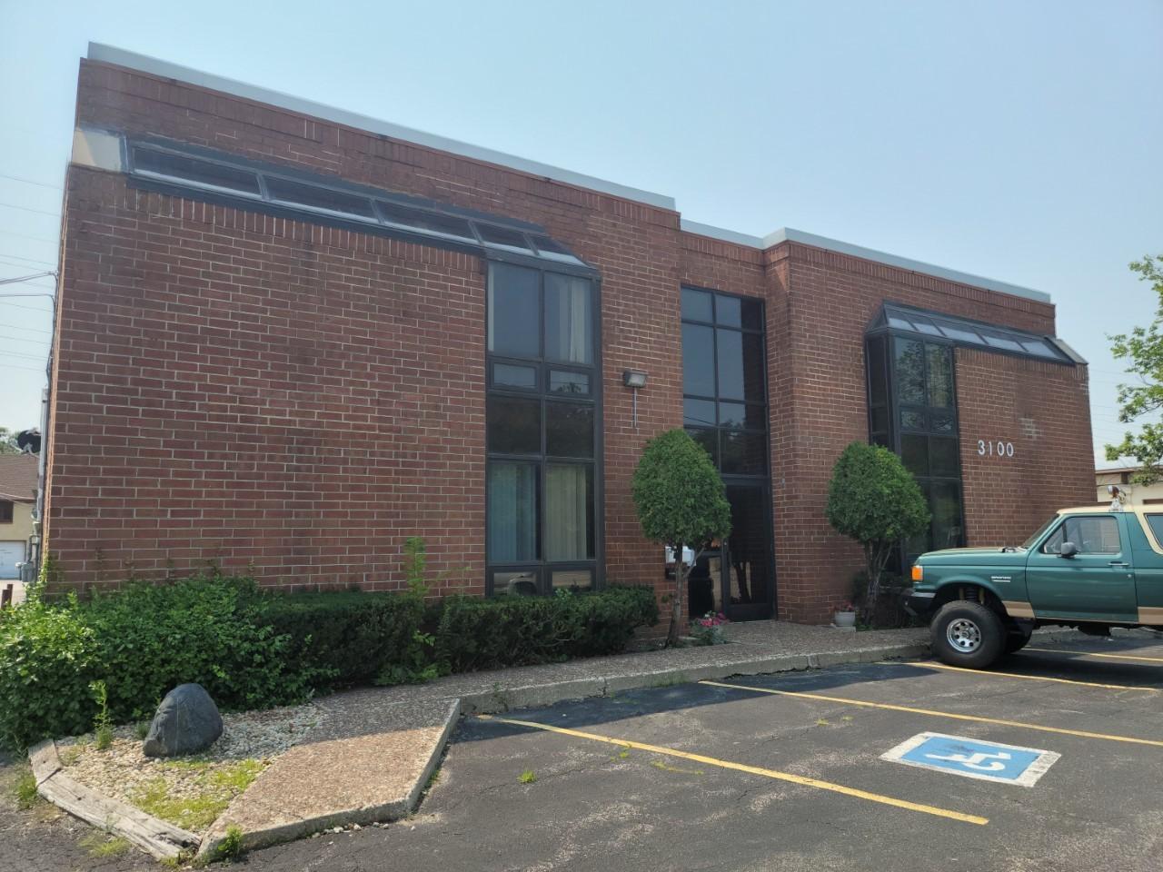 3100 Skokie Valley Road 2S, Highland Park, IL 60035