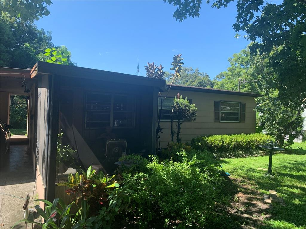 3 bed/1 bath home. Kitchen could use a remodel, otherwise home is in decent condition. Roof replaced 8/21/2008 and A/C is newer. Tenant has been in place for years, but only month to month. Tenant is willing to go to $1000/month on rent with a new lease.