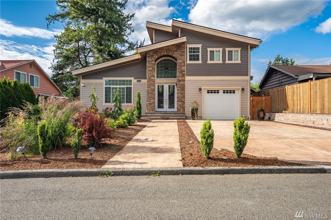 Welcome to your custom, luxury home, in Renton Highlands! Built in 2018, this home is rich in detail and thoughtful in finishes. Open floor plan, soaring vaulted ceilings, this 3 bed/3 bath home with 2 master suites (main level and the upper level) was designed for gathering lifestyle. Hardwood floors throughout. Custom cabinets from Martha Steward collection. Outside covered area. Wired for your gas grill/generator/ jacuzzi tub. No expense was spared! Minutes to The Landing Shopping Center.