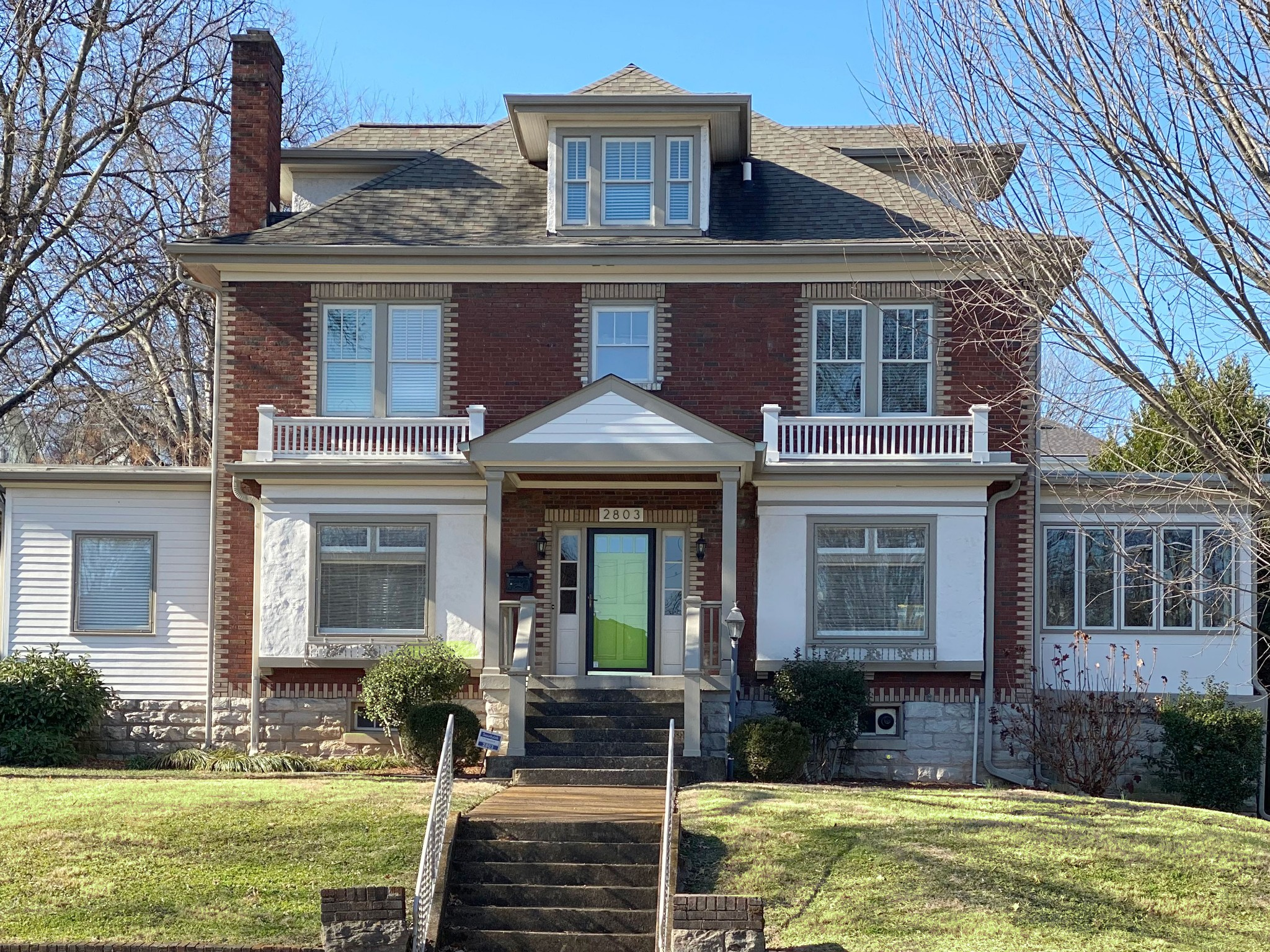 A RARE OPPORTUNITY To Own A Belmont Blvd Classic Four Square! Major Kitchen And Bathroom Renovations*Main Level Renovation To The Studs* Open Floor Plan*Perfect For Entertaining.*Style Defining Woodwork, Trim And Gorgeous Hardwoods Throughout.* Limestone Fireplace *Custom Lighting *Screened In Porch*Detached Garage with Parking Pad* Located In Heart Of Belmont Blvd With Sidewalks, 12 South Shops And Parks Nearby