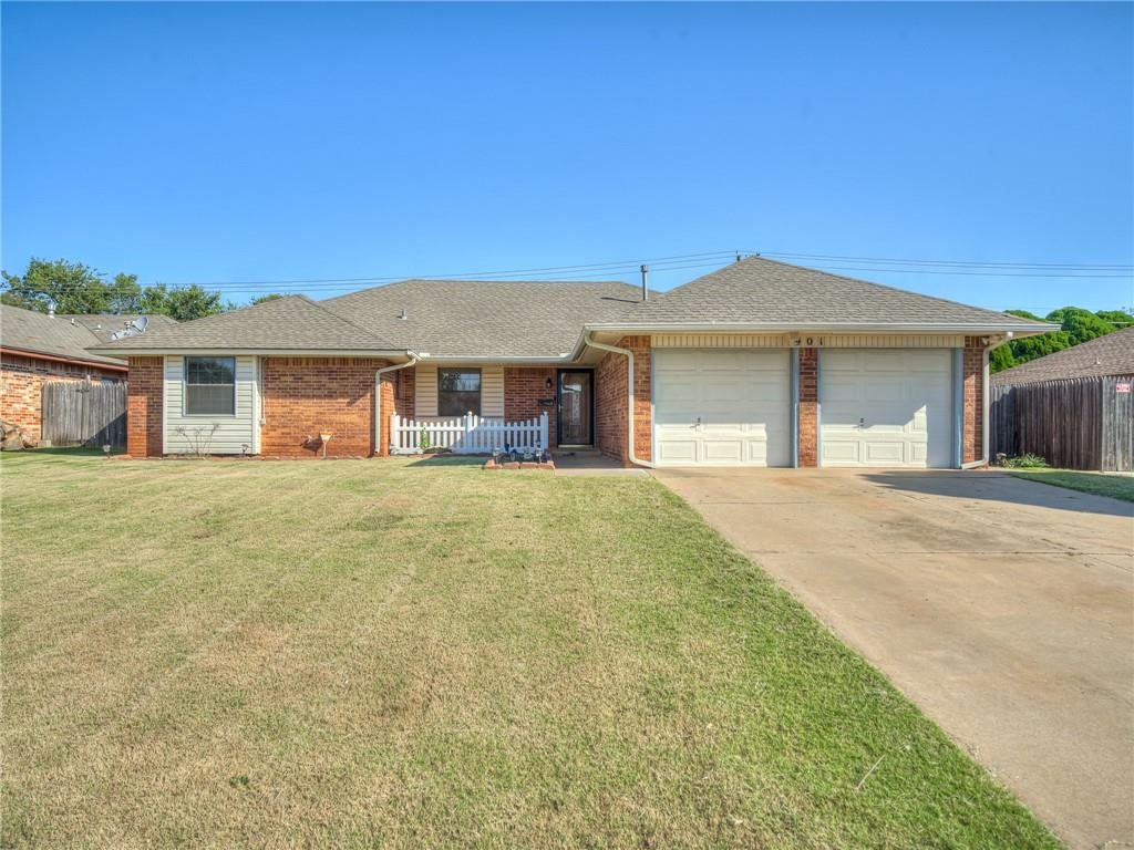 Well taken care of home in Moore School District! This 3 bed, 2 bath boasts a large living area with spacious kitchen. Large master bedroom, has private, full bathroom with walk in closet. All bedrooms are very spacious. Covered back patio is perfect for enjoying time with friends/family while entertaining or cooking out! Quick access to I35, shopping, and dining. Homes sits on a desirable cul-de-sac! Home is being sold AS-IS.