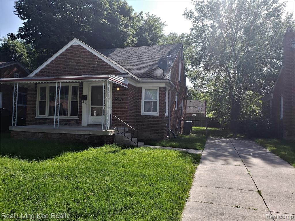 All Brick home with newer roof. Hardwood floors throughout. Tiled Kitchen and Bath.  The bones of this home are good and have been well maintained with newer windows and new Roof. Just waiting for you to come in and make it your own. Within walking distance to Elementary School.  Buyers to verify ALL INFORMATION, room sizes are estimated.