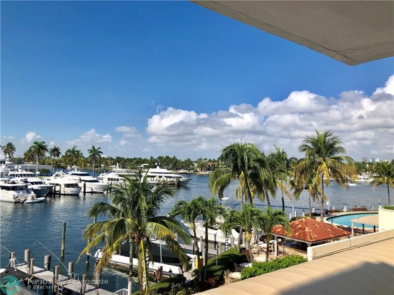 Breathtaking views of the Intracoastal waterways, canal, Bahia Mar marina and International Swimming Hall of Fame right across from its large balcony. Located just minutes away from the beach in a very desirable building (The Venetian). Resort style condominium with heated large pool, spa/hot tub, tiki bar, bbq's and outdoor dining areas. Full size fitness center and one of the few boat docking facilities situated on Las Olas, beach and Intracoastal areas with no fixed bridges. Location, location, location! Must see! The Venetian is also conveniently located minutes away from the downtown business and entertainment district and a short drive to the Fort Lauderdale International airport. Dockage as available.