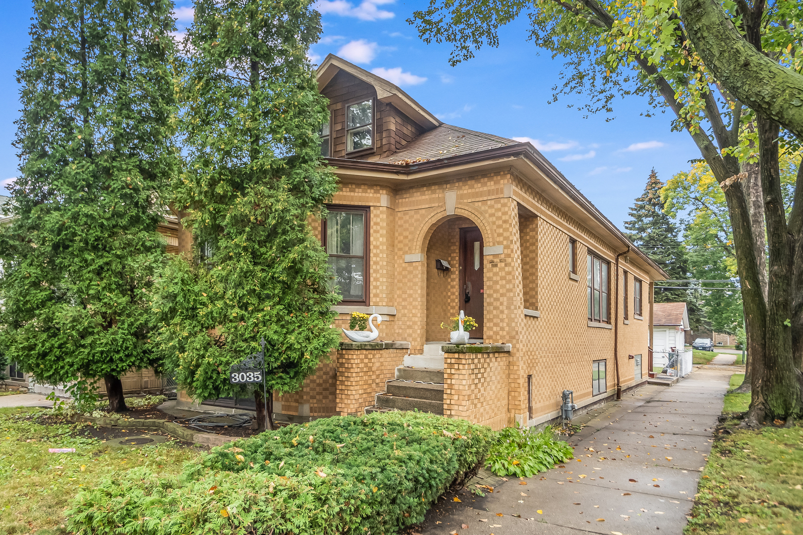 3035 N Lowell Avenue, Chicago, IL 60641