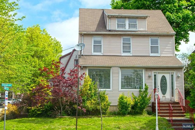 Welcome to this great layout house with 3 Bedrooms and 2 full bathrooms. There is an amazing enclosed sunroom with big windows.  Close to shops, trains, parks and schools.