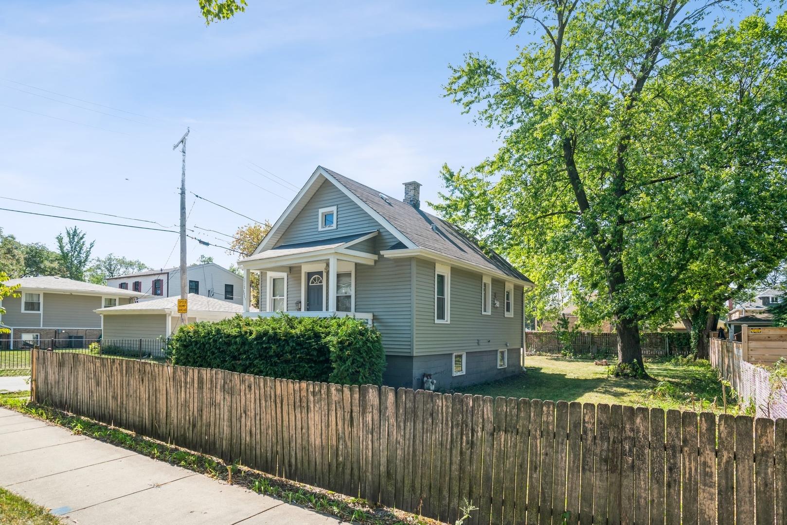 1712 Grey Avenue, Evanston, IL 60201