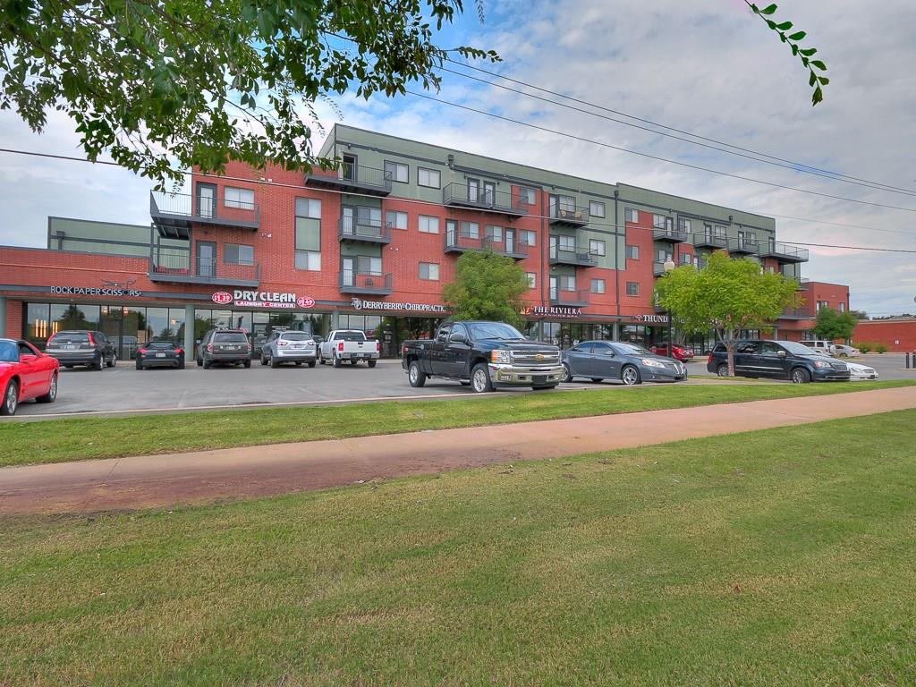 Furnished 2 bedroom/2 bath Condo, only 5 minutes from Oklahoma University.  Homeowners fee covers structural insurance and common area maintenance.