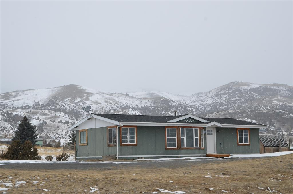 Come home to this manufactured home that sits on a rise that overlooks Paradise Valley and Emigrant Peak.  Just a short drive to the Yellowstone River, National Forest access, and Chico Hot Springs.  25-minute drive to Livingston and a 40-minute drive to Yellowstone National Park.  Come see why this is called Paradise Valley!