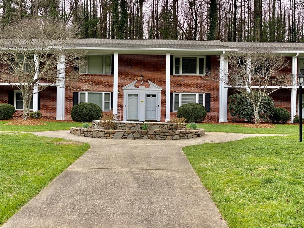 Updated two bedroom, one and a half bath, 2 story town home located in the heart of Flat Rock, near downtown Hendersonville. Newer carpet in both upstairs bedrooms, tile in the kitchen and bathrooms, spacious kitchen and pantry. Hiking trails from property to the Village of Flat Rock, Flat Rock Playhouse and Carl Sandburg National Historic Site. Convenient to restaurants, grocery stores, shopping and entertainment. Assigned, covered parking space, free community laundry room, assigned storage area and club house room w/ full kitchen. NO PETS, per HOA.