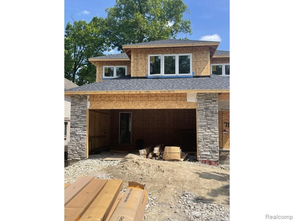 """Beautiful 2600sf new construction. 10' ceilings, hard wood, quartz counter tops, central air, energy windows, 8'X18 garage door, oversized insulated garage, walkout basement, custom 8' interior doors(1st floor), custom 8'X41"""" front door, gas 5'fireplace in living room, 3br, 2.5 bathrooms, custom construction, cultured stone, brick. 5' gas fireplace in great room. Beautiful lake views, pro kitchen faucet, LG appliances. Final grade with sod, irrigation system included Construction completion. August-September 2021 unfinished basement 2 car garage"""
