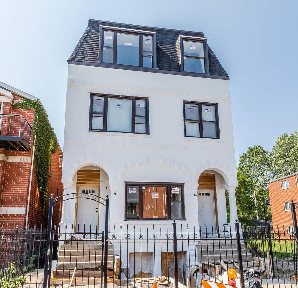 2735 W Polk Street, Chicago, IL 60612