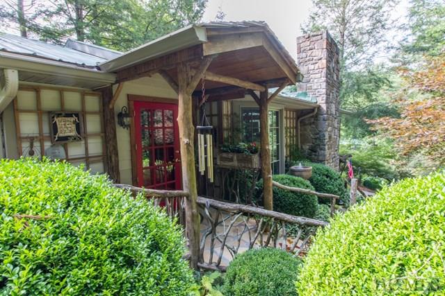Residential For Sale In Cashiers North Carolina 90572
