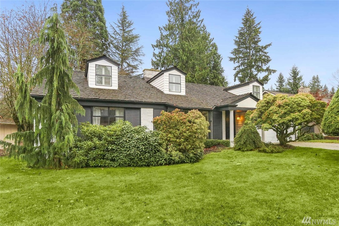 """Rare find in Fairwood Greens! Prime location on #17 fairway, sought-after 5bed/3ba """"space saver"""" floorplan. Home lives like a rambler w/master on main. Delight in panoramic views from kitchen window. Newer ss appliances & Sub-Zero fridge. Extend gatherings outside w/large yard & patio. Upstairs find two huge rooms, full bath & storage. Enjoy instant equity with your updates! Fairwood amenities include 24/7 security patrol, parks, quiet streets & easy freeway access. Golf memberships available"""