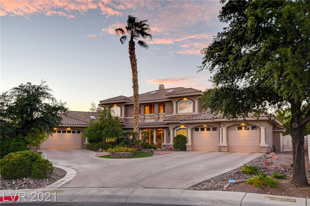 7304 Total SF ($260/SF) ULTIMATE FAMILY ESTATE on immense lot.  1250+ guest wing featuring a full kitchen, family room, bonus room, master suite, rear yard enclave, laundry, & private entry via 2-car garage. Indoor/Outdoor flows and skylight. Great room w/22' ceiling abuts chef's kitchen.  Master down w/rear yard access, his&hers, spa tub, & shower w/bench.  Rear yard w/raised pool, built-in bbq, spa gazebo, guesthouse, and greenhouse, toy room, den, loft, 3 fireplaces, 2 dishwashers, fabulous kitchen, and gorgeous GREAT room.