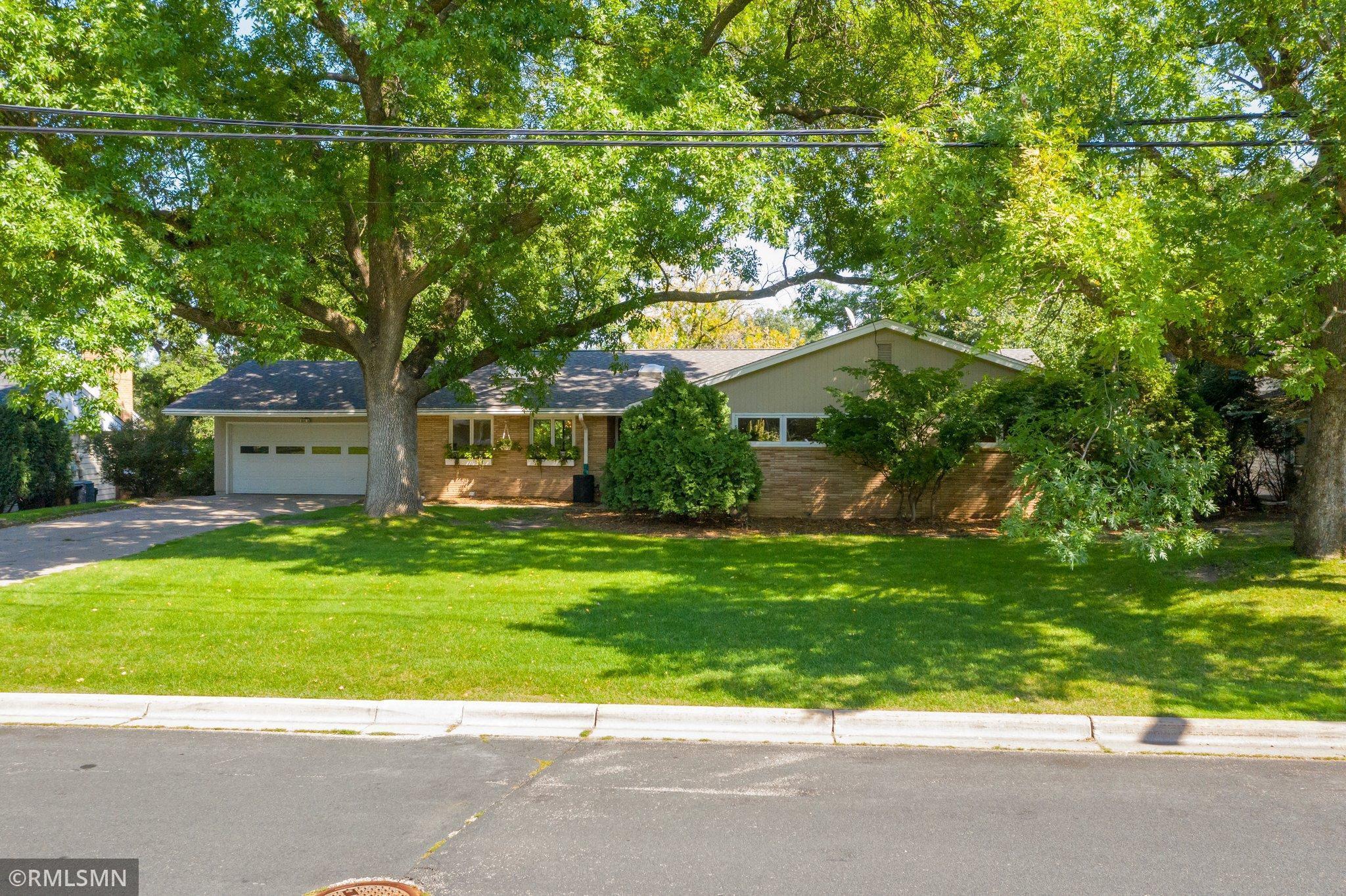 6641 Southcrest Drive, Edina, MN 55435