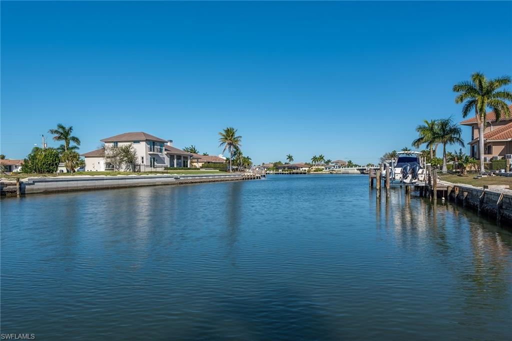 372 Rookery CT, MARCO ISLAND, FL 34145
