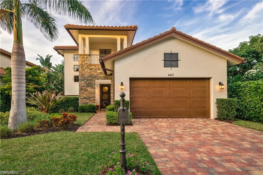 4867 WEST BOULEVARD CT, NAPLES, FL 34103
