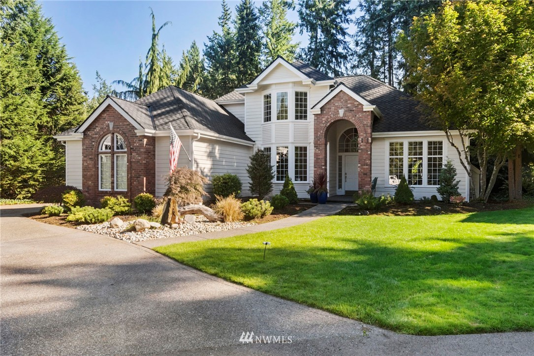 Tasteful elegance in one of Gig Harbor's finest neighborhoods ! Completely updated Grande Bank home has to be seen - quality throughout, the perfect kitchen and great room for today's busy lifestyle with formal dining room, parlor/office and huge master suite all on the main floor. Upstairs features 2 more bedrooms and a bath, and a large bonus room/2nd office. 3 car garage accessed well off the street and large lush lot round out this rare opportunity to own in this beautifully landscaped and private enclave close to everything that Gig Harbor has to offer.