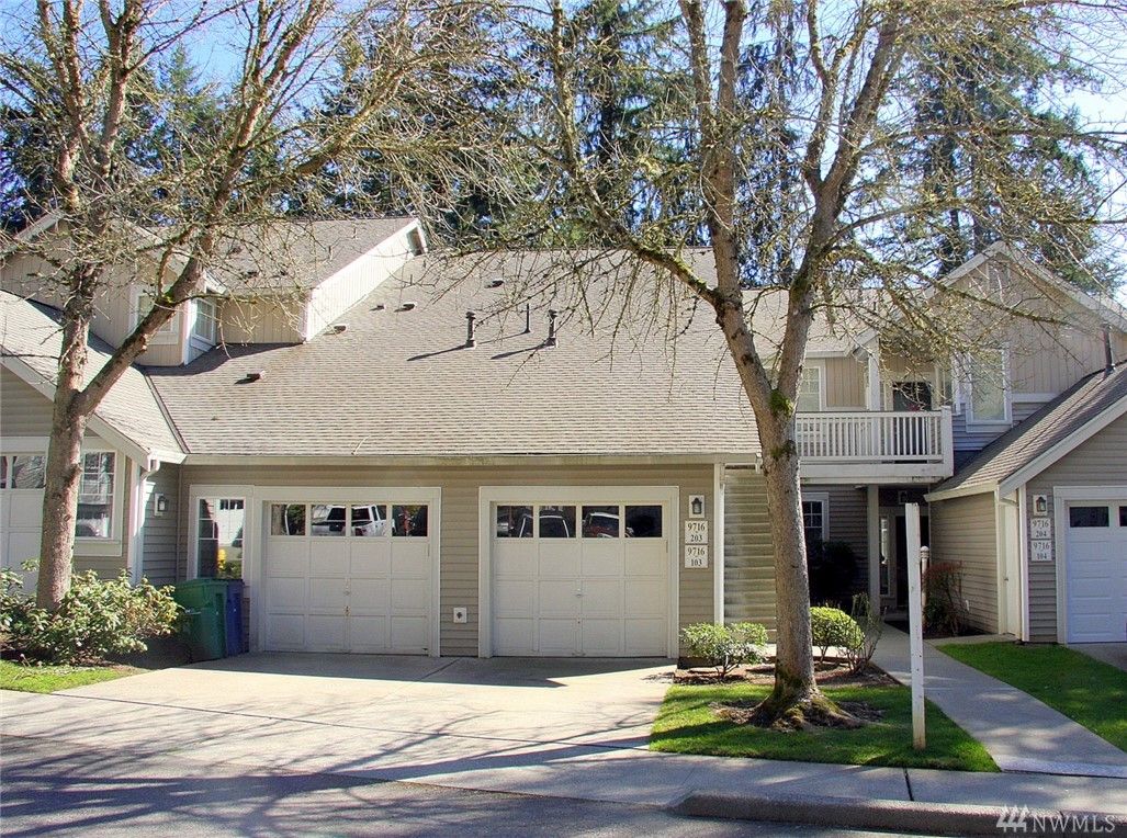 Very nice top floor unit w/2 bedrooms, 1.75 baths in highly sought after Willow Grove. Very close to downtown Redmond. Excellent open F/plan w/bright & airy feel throughout. L/R w/fireplace & slider to deck overlooking wooded area for max. privacy. Large kitchen open to living space w/ab. cabinets, dual sinks, & eating bar. Large walk-in utility w/built-in cabinets. Large M/Bd. w/walk-in closet. M/Bth w/dual sinks. Attached 1 car garage. Immediate access to Microsoft, 520, & Redmond Town Center.