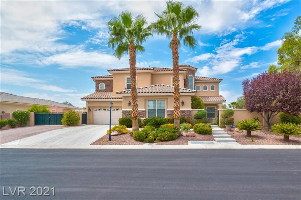IMMACULATE DREAM HOME ON 1/2 ACRE LOT!!!! THIS HOME BOASTS OVER 4K SQ FT, 4 BEDS, 4 FULL BATHS & 3 CAR GARAGE. ENTER THE HOME W/ DRAMATIC VAULTED CEILINGS, LARGE FAMILY ROOM W/ ENTERTAINMENT CENTER & FIREPLACE. BEAUTIFUL KITCHEN W/ CUSTOM CABINETS, GRANITE COUNTER TOPS, COOKTOP & DOUBLE OVEN. HUGE MASTER BEDROOM W/ RETREAT AREA & BALCONY. MASTER BATH W/ DUAL SINKS, SHOWER & SOAKING TUB. SECURITY SYSTEM W/ CAMERAS & SEPARATE SURROUND SOUND UP & DOWN. HOME GYM IN 3RD CAR GARAGE INCLUDED!!!  STEP OUT TO YOUR RESORT STYLE BACKYARD THAT HAS PRIVATE TENNIS COURT, BOCCI BALL, MEGA CHESS SET, SPARKLING POOL W/ SPA & CUSTOM JENN-AIR BBQ & OUTDOOR KITCHEN. RV / BOAT PARKING W/ HOOKUPS. THIS IS THE PERFECT ENTERTAINMENT HOME!!!