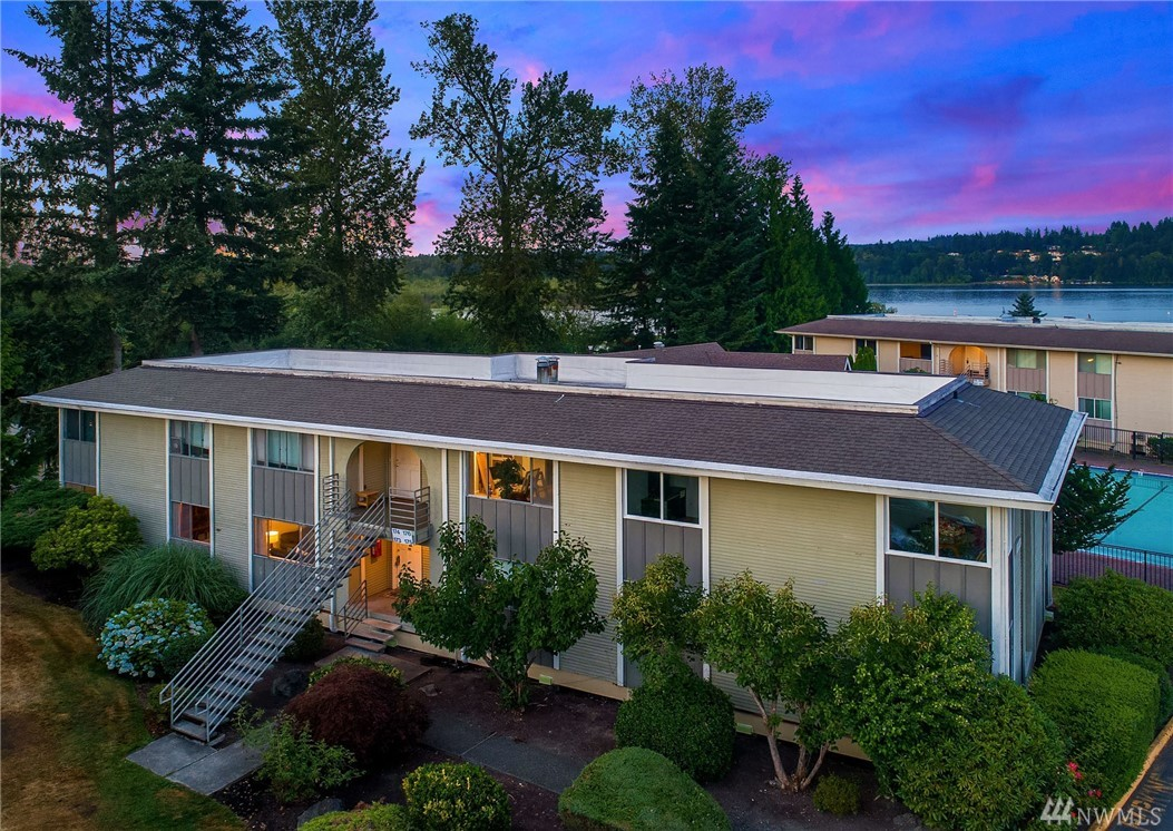 Enjoy resort style living on Lake Sammamish waterfront! Updated, ground floor, 3 bed + den, 1.75 bath w/spacious deck overlooking pool, access just steps away to cabana & sauna. W/D in unit, parking space & access to all that the complex has to offer. Boasting outdoor heated pool, cabana, waterfront clubhouse, boat slip rental, added boat/SUP/kayak storage. Greenspace near the lake & large natural preserve next door! No rental cap. Mins to DT Redmond, Marymoor park & blocks to Microsoft.