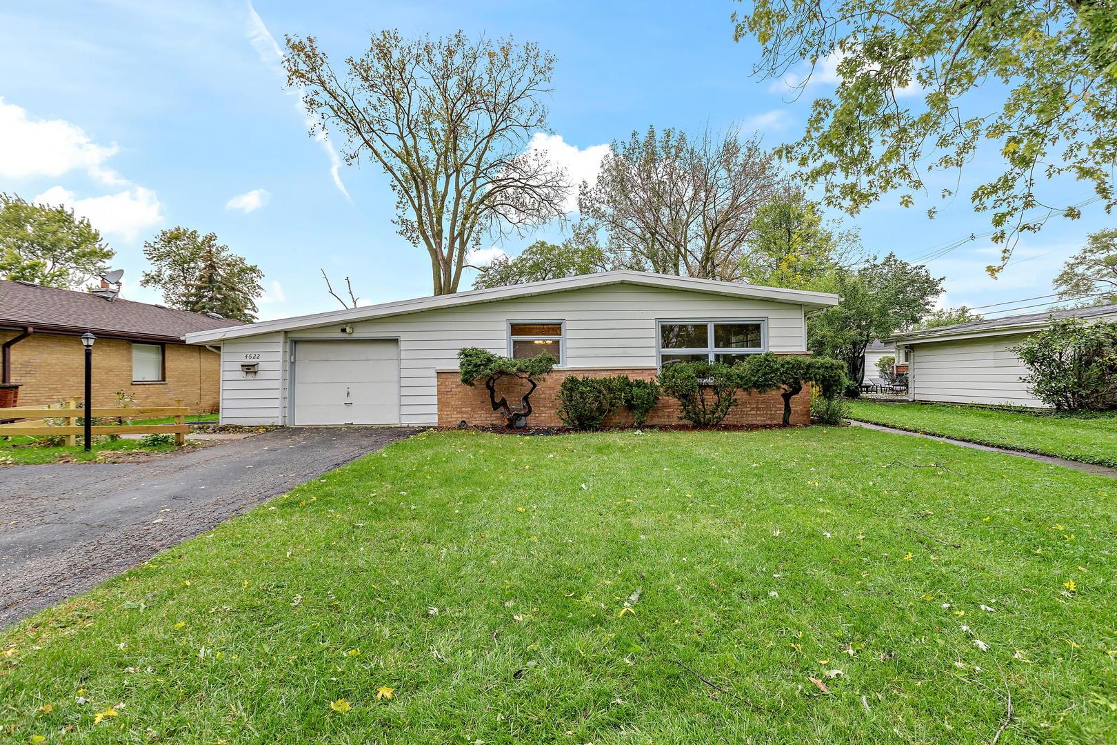4622 Larch Avenue, Glenview, IL 60025