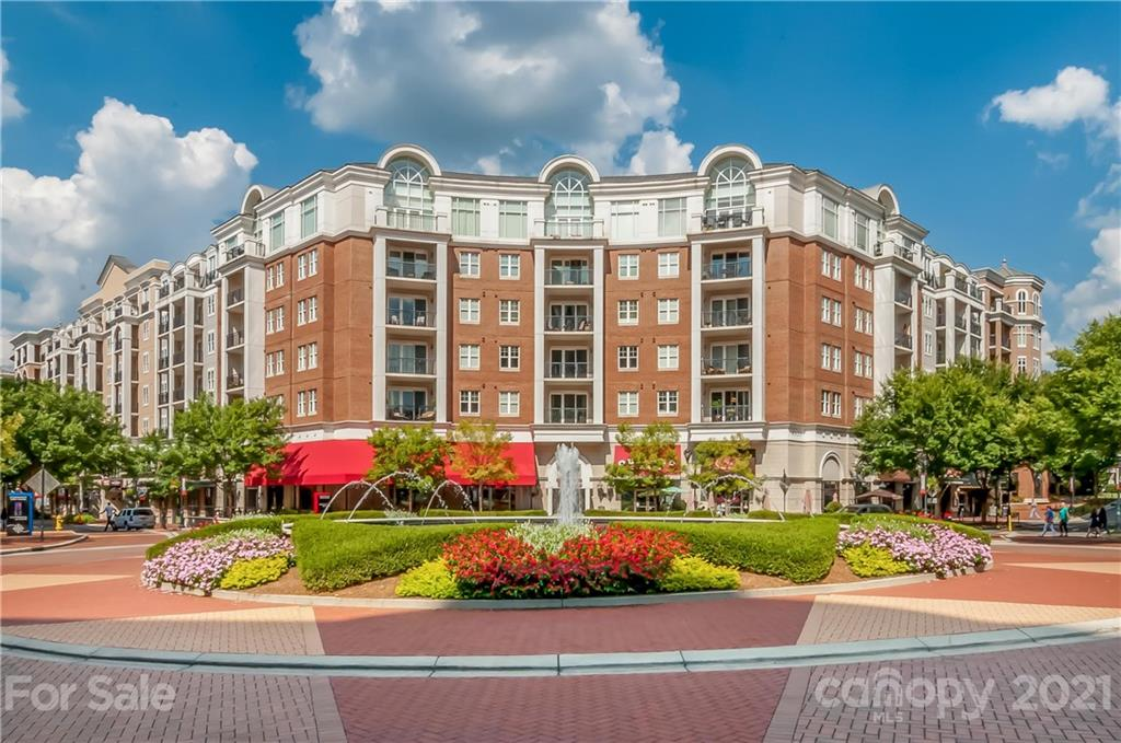 Freshly Painted Luxury 3bd 2ba Condo unit with additional secured storage space in popular Piedmont Row! Hardwoods throughout, large terrace overlooking the central water fountain, beautiful kitchen island, granite counters, upgraded lighting and ceiling fans, SS appliances, washer/dryer included.  Walk to everything in South Park, just an elevator ride away from all the amenities including pool, clubhouse. Fitness center, Restaurants and Shopping are a few steps away.