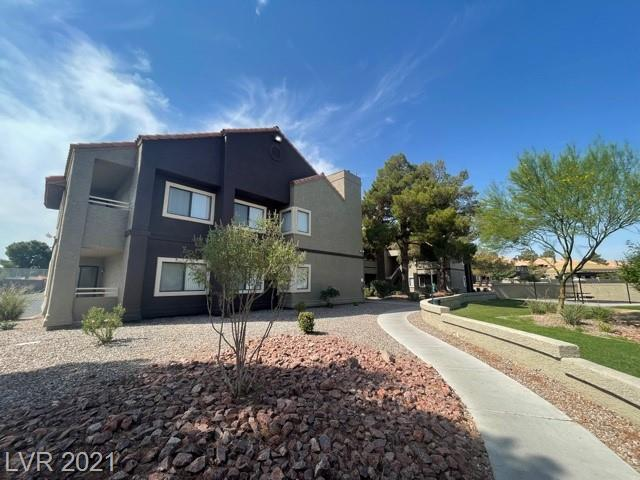 Spacious 3 Bedrooms,2 Full Bathrooms Recently Remodeled, with Close Proximity to Spring Valley Hospital, McCarran Int. Airport and the Strip. Painted in Earth Tones, Carpet Only in Bedrooms, Fireplace, Master Bedroom has Walk Out Patio w/ Large Walk In Closet. Vizcaya Community Offers a Clubhouse with Exercise Room, 2 Tennis Courts, 6 Pools & 4 Spas.