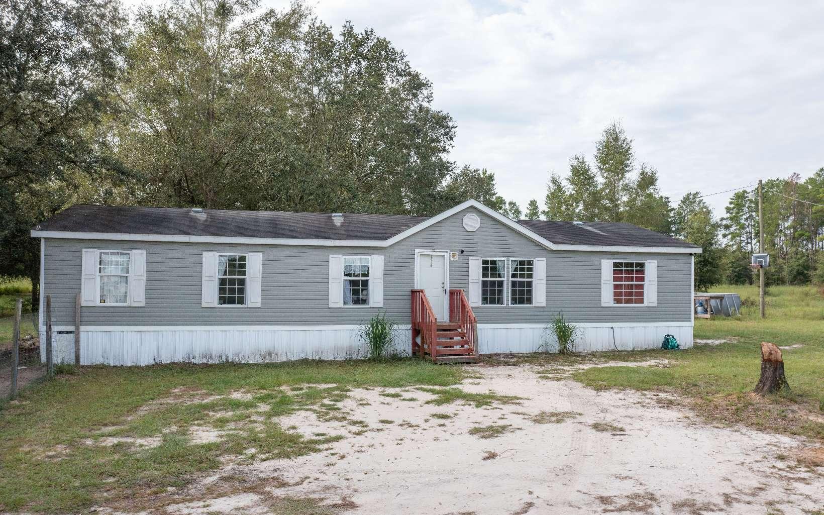 1499 NE Beulah Church Rd, Lee, FL 32059