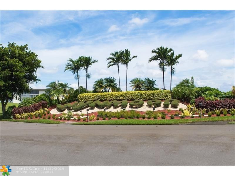 A PHOTO IS WORTH A THOUSAND WORDS. MAGNIFICENT VIEW, BEAUTIFUL TOP OF THE LINE RENOVATIONS. 2BED 2BATH IN VICTORIA VILLAGE. THE ENTIRE PROPERTY HAS BEEN COMPLETELY REDONE WITH EXCELLENT TASTE FOR THE NEXT FORTUNATE BUYER.  MOVE TO OUR AMAZING GOLF & TENNIS LIFESTYLE COMMUNITY AND ENJOY OUR EXCITING DAILY ACTIVITIES. JUST OPENED NEWLY RENOVATED BISTRO 18 SERVING 3 MEALS PER DAY, NEW PICKLE BALL COURTS. 1000 SEAT THEATER WITH LIVE SHOWS, MOVIES, OVER 150 CLUBS, 18 HEATED SWIMMING POOLS, CRAFTS, WOOD SHOP, DANCING, BUS SERVICE IN AND OUTSIDE COMMUNITY AND MUCH MORE. HURRY THIS BEAUTY WILL NOT LAST.  ASSOC REQUIRES 20% DOWN & 1 OCCUP 55+      ASSOC REQUIRES 20% DOWN & 1 OCCUP 55+