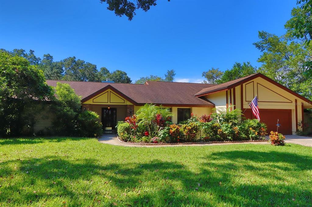 606 Warren Road, Lutz, FL 33548