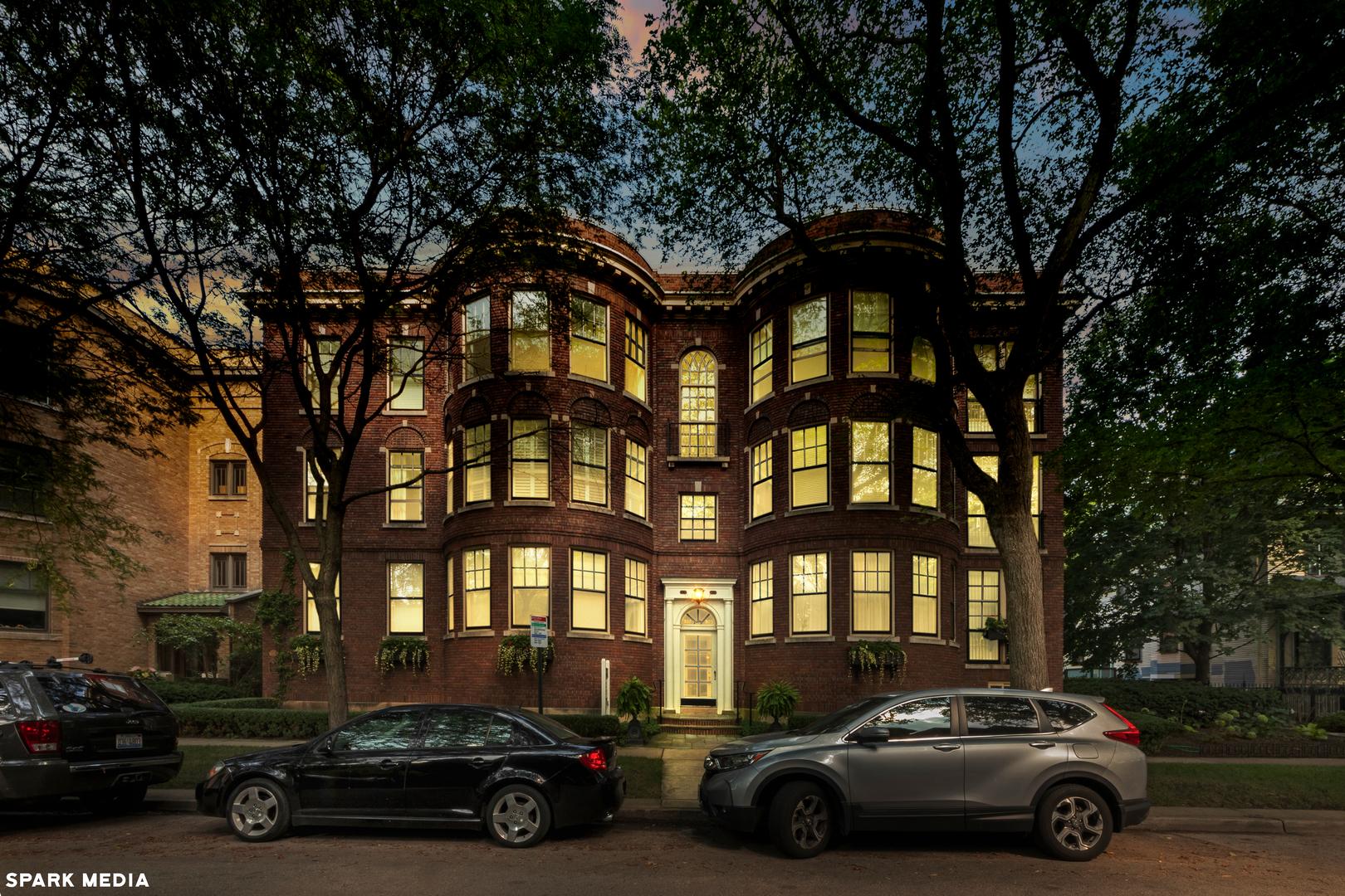 923 MICHIGAN Avenue B, Evanston, IL 60202