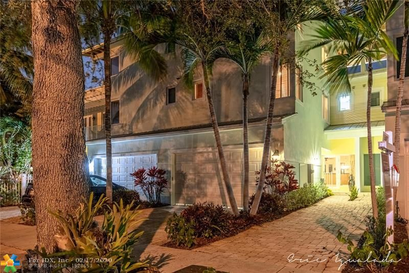 Do not miss this opportunity to purchase this 3-story townhome. 3 bedrooms 3.5 baths with a 3rd floor sitting room that opens to an oversized roof top terrace. Brazilian Cherry floors, impact windows and doors private pool. 3-story elevator.  2-car garage. Walk to all the 5 star restaurants to Las Olas and Ft. Lauderdale beach. Minutes from Ft. Lauderdale International Airport. Sunny Florida living at it's best!