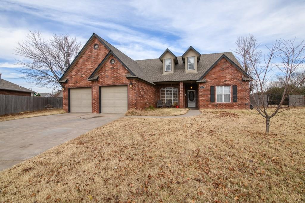What a value! Under $200k in Moore!!!!!  2122 sqft home on 1/3rd-acre lot with Moore schools, split plan, storage building, covered patio, & porch, dedicated formal dining area, fireplace, kitchen dining, large upstairs that could be another bedroom or bonus room, The master suite is extra accommodating with a large walk-in closet, large shower, & dedicated tub. 2 car garage with storm shelter, cul de sac, near Warren Theater, Tinker AFB, shopping and more, New faux wood floors in living, dining, kitchen & hallways as well as baths. Laundry room, lots of open space in the kitchen as well as living areas with a nice natural gas fireplace that adds warmth and charm.
