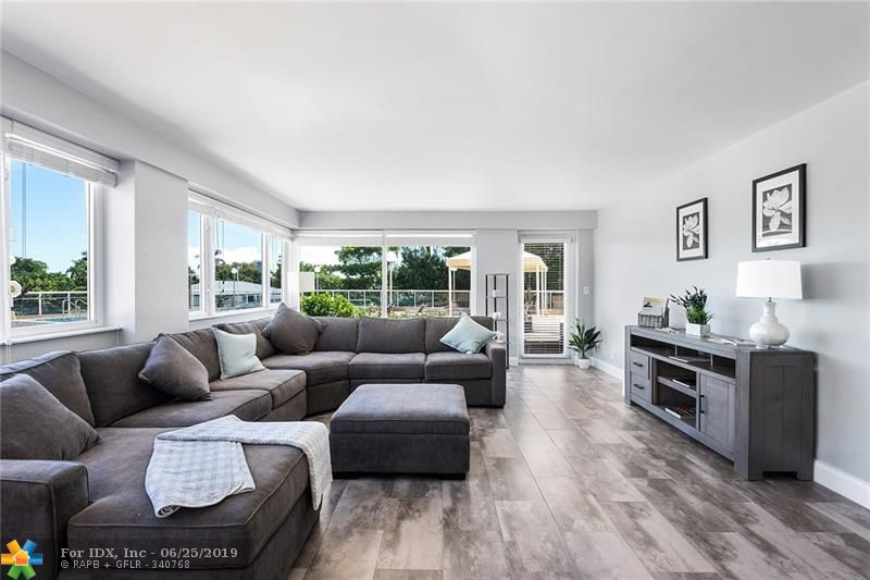 Welcome to Maya Marca #304. Unit 304 features 1 bedroom, 2 bathrooms, and 1,060 sq ft. This recently updated residence direct access to the pool from the living room and views of the Intracoastal. Just steps from Fort Lauderdale Beach, shopping, and dining.