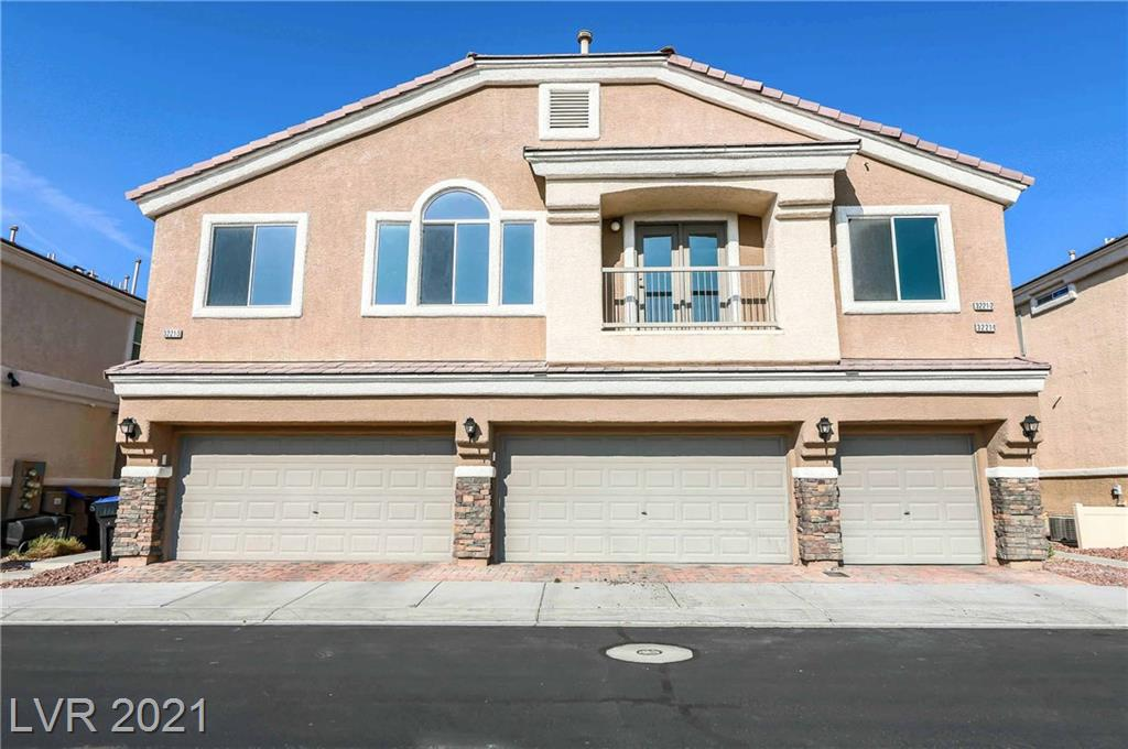 BEAUTIFUL TOWNHOUSE FRESHLY PAINTED WITH NEW CARPET INSTALLED,  THIS 2 BEDROOM 2 BATH WITH 1 CAR GARAGE IN A LOVELY GATED ALIANTE COMMUNITY.