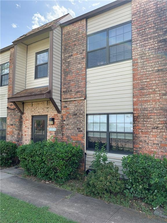 2 bed, 1 1/2 bath condo near OU is perfect for grad student, young adult, or investors. Fireplace in living room and refrigerator stay. Unit sold AS-IS.