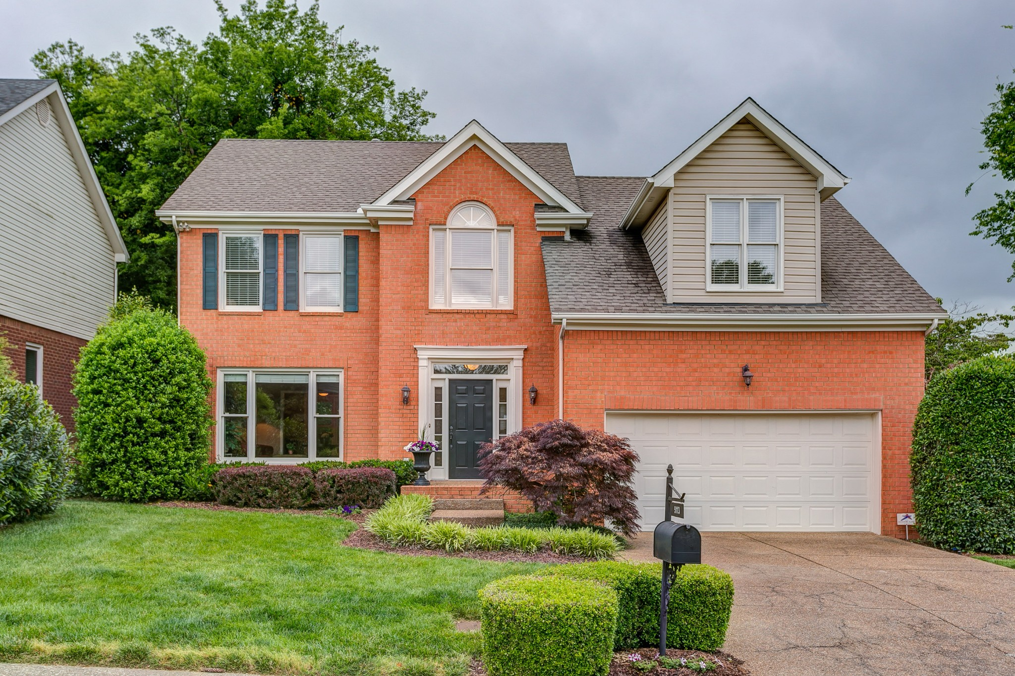 Delightful location -Walk to the Pool, Tennis Courts, Basketball Court and playground. Fun neighborhood minutes to shopping and I-65. Hardwoods and Vaulted Ceiling in family room. Bonus room could be 4th BR. Seller will give allowance for carpet or buyer can use for hardwood. Sweet Home Ready for New Owners. Won`t last!