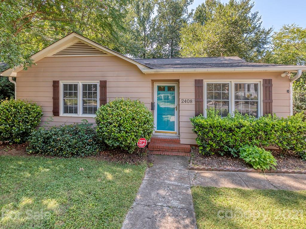 This three-bedroom, 1.5 bath cottage in Chantilly has great bones and is ready for your personal touch.  The house has excellent flow with the kitchen and living area adjacent to one another and three well-appointed bedrooms.  The primary bedroom has an en-suite half-bathroom.  Perfect place for someone to get into this amazing neighborhood with tons of opportunity to grow!