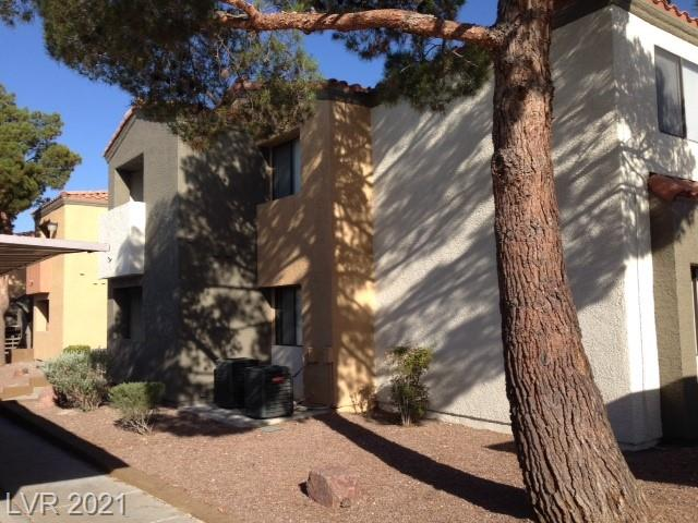 BEAUTIFUL CONDO IN THE DESERT SHORES GATED COMMUNITY. ALL APPLIANCES INCLUDED W/ PATIO, KITCHEN NOOK AND MORE.