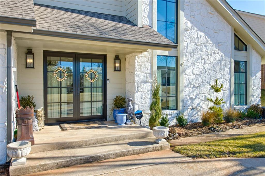Note.... price adjustment ..... A wonderful opportunity to own a fabulous remodel in convenient Quail Creek! Light, bright & open w soaring ceilings in Living area... Fantastic kitchen w custom cabinets, stainless appliances including double ovens and farm sink w marble counters! Master bedroom suite is downstairs w spa-like bath and good closet space. Classic black & white tile floors greet you in the entry and fabulous wood floors through-out the lower level, except for master bed carpeting.....upstairs is extremely spacious w 3 beds & 2 baths....all renovated.....and a very large playroom/living area w great storage. This renovation was done by Bryan Beavers and is  a wonderful floor plan for entertaining. Roof is newer, along with Marvin windows & doors, one H/W tank, AC and garage door motor. Extensive landscaping was completed in back yard. Window treatments are reserved but hardware stays. All Tv's & mounts and fridge are also reserved...Buyer to verify all info.
