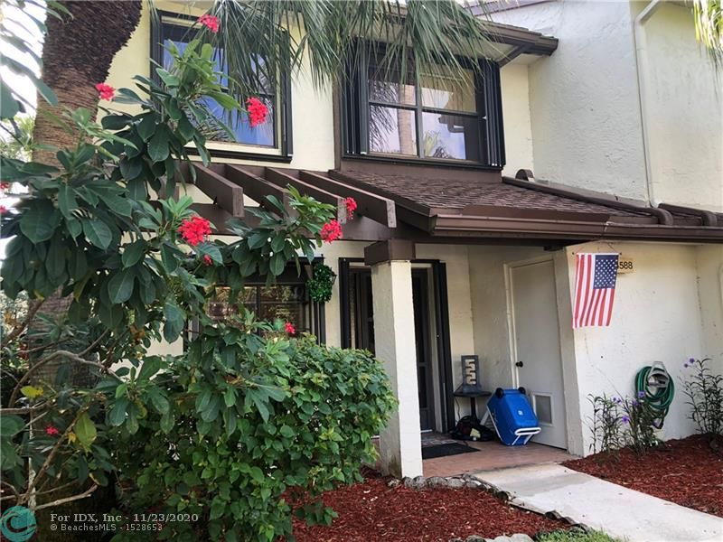 Corner unit, lake view, steps from community pool, quartz counter tops, stainless steel appliances, you will love the amenities gym, olympic size pool, tennis court, well kept community. W/D included, shutters on the windows, 5% down required by HOA, no leasing on the first year. Water, Cable, lawn, trash, pool service, roof, pest control, all included on the maintenance $382 and TCMA Recreation fee is $158 per quarter. Tenant occupied, Lease ends 12/31/19. Showings allowed on Friday Morning from 9:00 to 10:30 AM