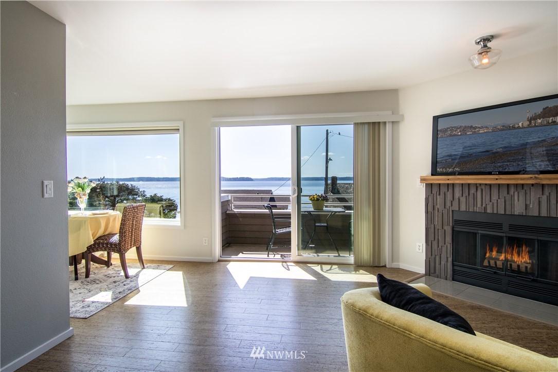 4226 Beach Drive SW 201