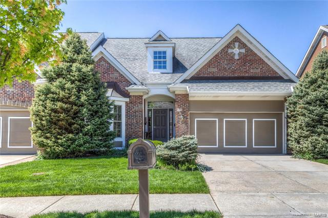 979 Chesterfield Villas Circle, Chesterfield, MO 63017