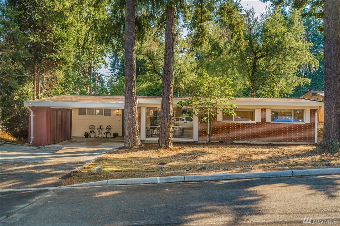 A beautifully turnkey Mid-Century Modern home on a large lot, vaulted ceilings, all new interior paint and new carpet. Hardwood floors and great room design features open space flow from kitchen to dining room to family room. Floor to ceiling windows with tons of natural light, overlooking a huge backyard with a large shaded patio. Conveniently located just minutes from I-90, I-405, close to shopping center and restaurants, Award winning Bellevue schools.