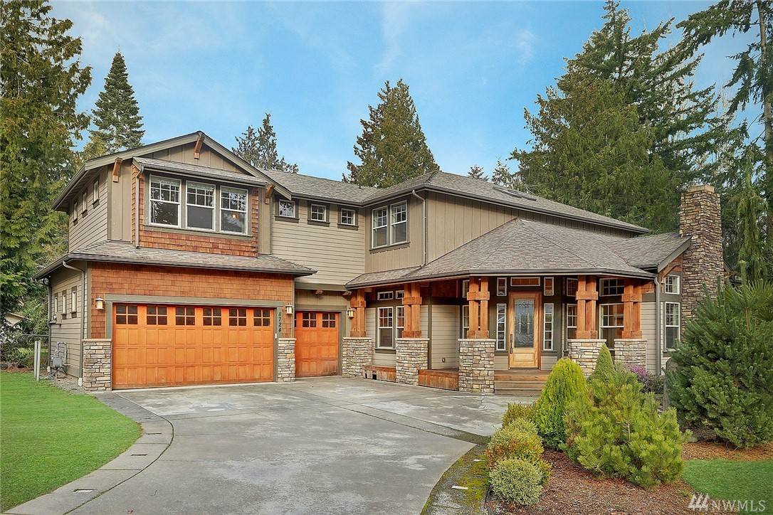 8724 NE 134th St, Kirkland, WA 98034