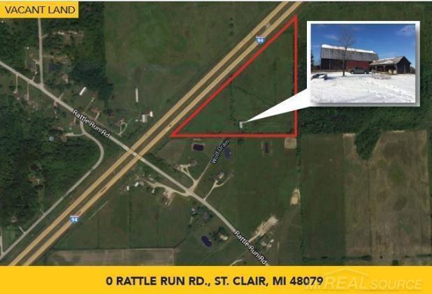 20+ acres of a hunters dream!! Barn on property.  Great spot to build your dream home or cabin for hunting!  Land Contract terms available.