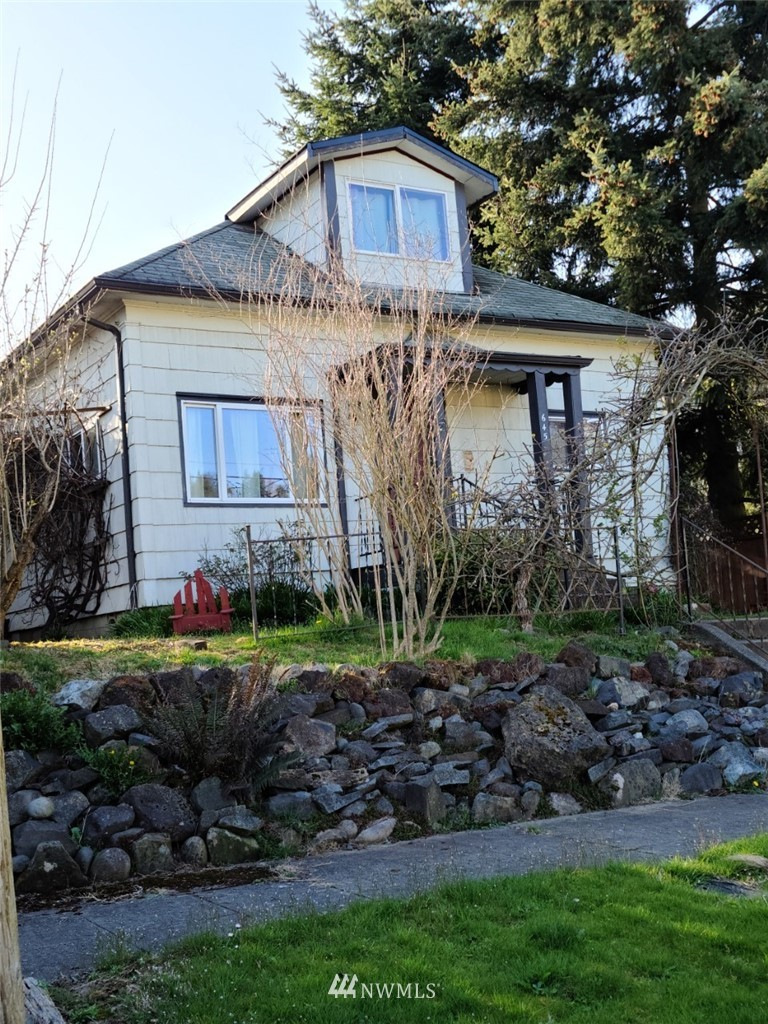 Charm plus upgrades!  This rare 4 bedroom, 2 full bath home is located in the historic Westside of Chehalis,  original wood flooring, crown molding updated baths and kitchen, both bathroom features handmade sinks and by local potter.  Walk to downtown Chehalis and Westside Park.