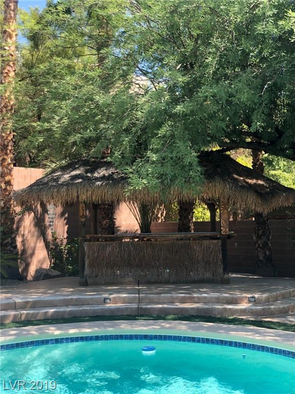 ORIGINAL OWNERS & MAINTENANCE SHOWS. IN ALIANTE AREA  UPGRADES THRU OUT. KITCHEN IS PERFECTLY DESIGNED FOR FAMILY. FRESH PAINT, CARPETS FRESHLY CLEANED. ENTERTAINERS DELIGHT IN BACKYARD!!!  SOLAR HEATED POOL & 21 FOOT LONG PALAPA WITH LUSH LANDSCAPING. POOL MAINTANENCE AS WELL AS WEEKLY BLOW OUT OF LANDSCAPING.  HOME IS WHERE YOU CAN CALL WANT TO CALL HOME!