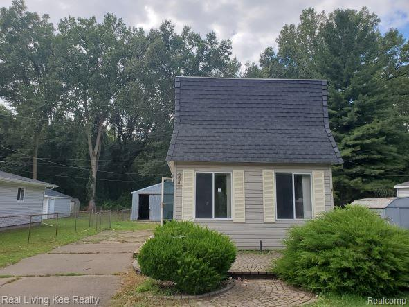 New roof in September 2021. Home has 3 bedrooms on the second floor. Pole barn. Has a family room and a living room. Freddie Mac First Look initiative is good through 10/10/21. *Cash only*